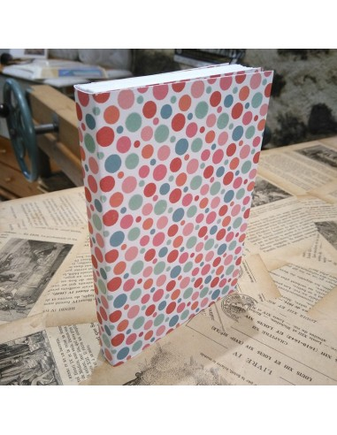 Carnet fait main. Reliure méthode traditionnelle. Couverture fantaisie. 64 pages.