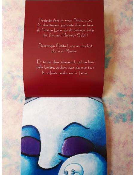 Inside of the children's book Les aventures de Petite Lune.