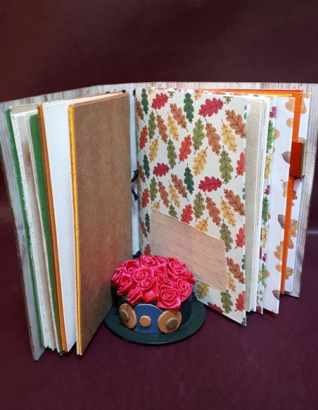 Handcrafted diary notebook - Handmade - Noisette notebook. Pages with label