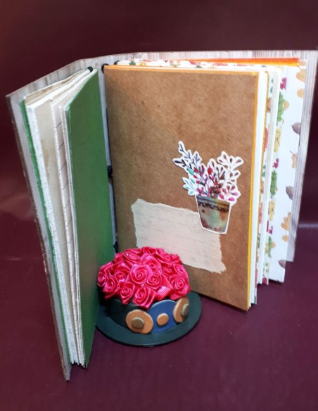 Handcrafted diary notebook - Handmade - Noisette notebook. Inside pages other patterns
