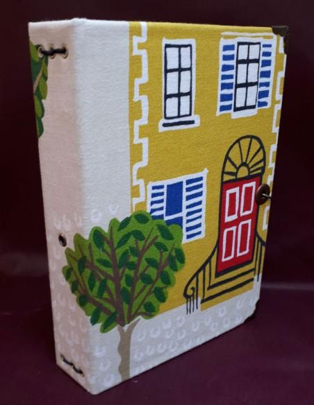 Carnet de voyage Aventure fabrication artisanale - Fait-main - Couverture en tissu et cartonnée rigide.