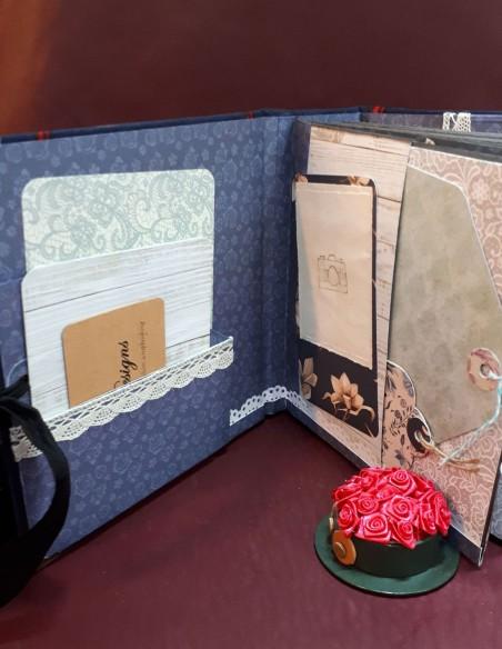 Carnet de voyage Séraphin. Carnet de voyage de poche fait-main. Pochettes intérieures avec porte-cartes.