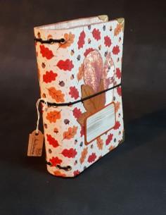 Carnet journal intime fait-main par Nubiya Design. Journal sur le thème Automne.
