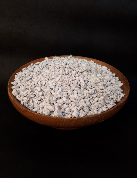 Paper pulp made from recycled paper. Bag for about 30 sheets of 80gr paper.