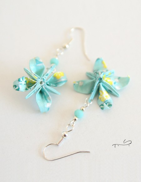 Boucle d'oreilles origami fleur d'anis.