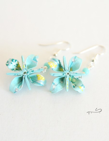 Boucles d'oreilles origami fabrication artisanale.