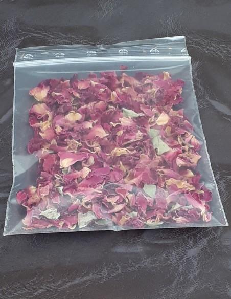 Bolsa de pétalos de rosa secos para pasatiempos creativos.