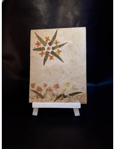 Planta de decoración de mesa y papel...